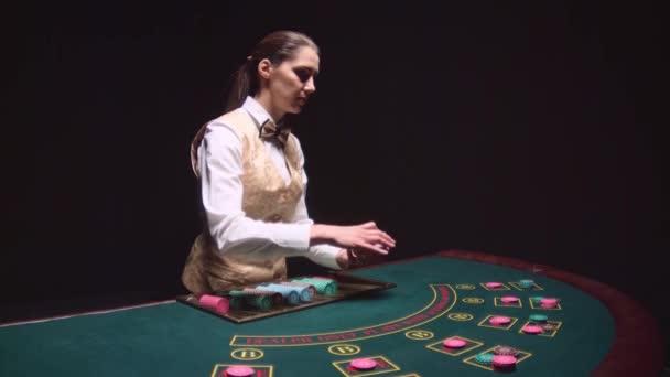 Croupier mujer crupieres en directo casino-356726