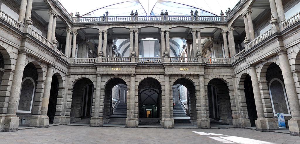 Activo no corriente la primera plaza casino México-768210