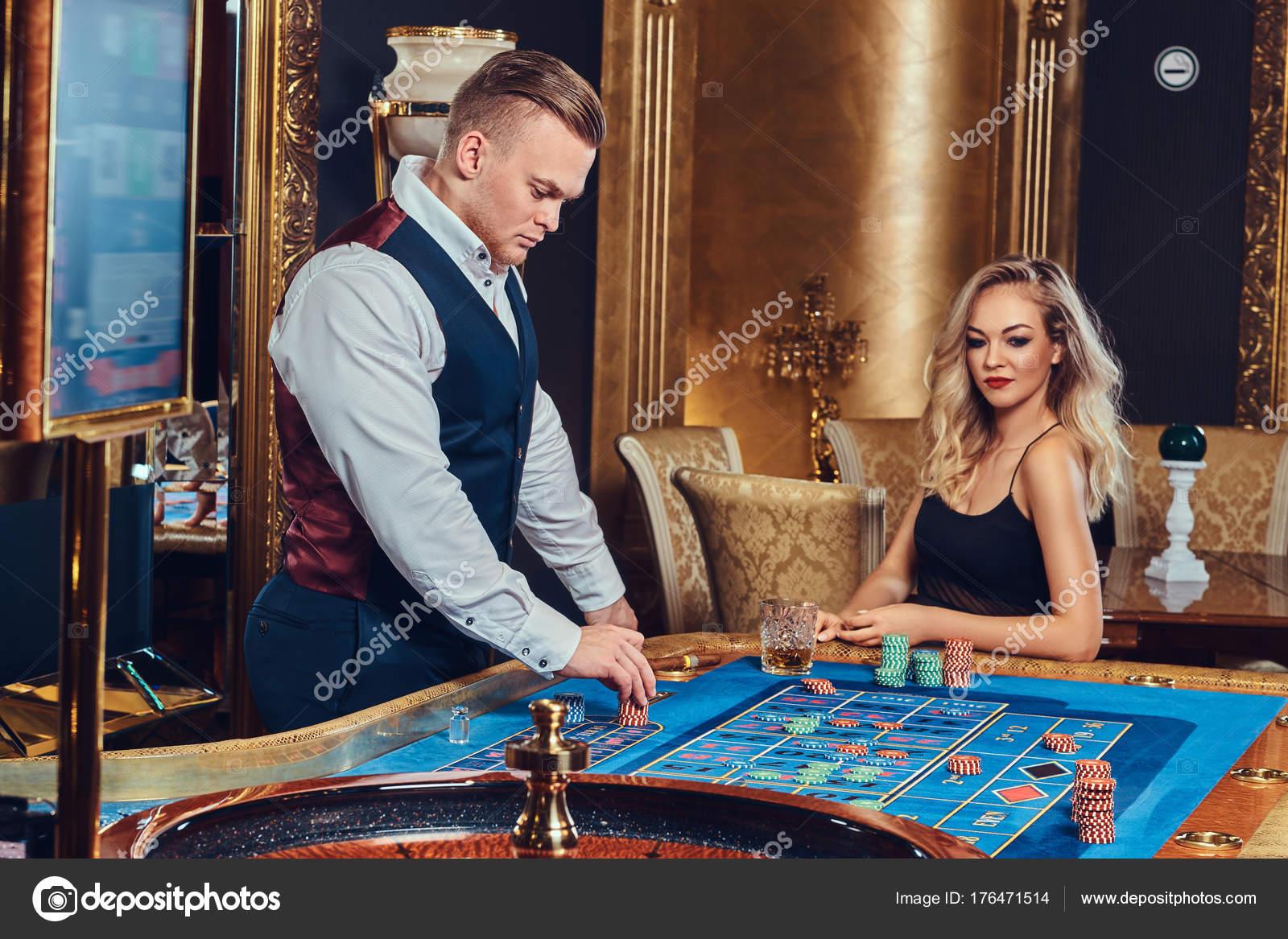 Croupier mujer crupieres en directo casino-579973