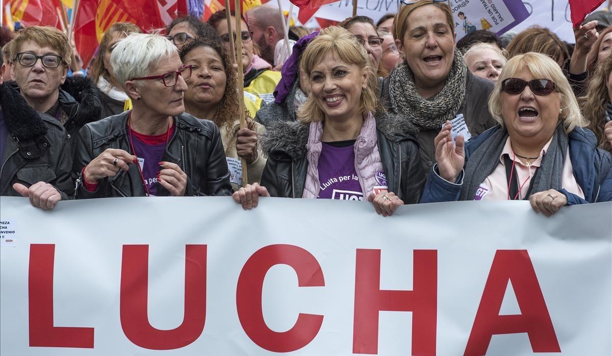 Croupier mujer comprar loteria euromillones en Perú-144027