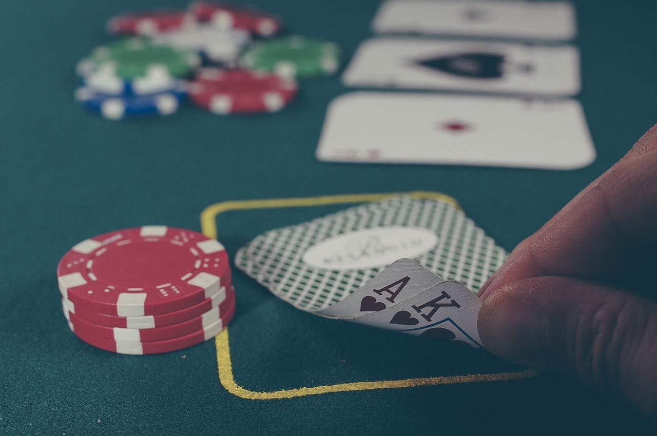 MrPlay com como jugar poker clasico-305498