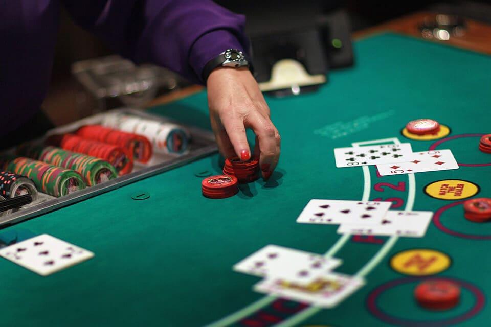 Tragamonedas gratis Firestarter como se juega a la banca con cartas-634098